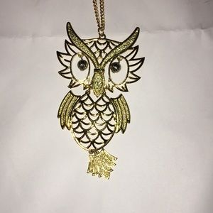Fun gold owl necklace